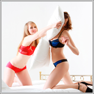 Pillow catfight - Mia vs Marta