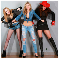Cowgirls struggle – Vicky vs Jillian and Lexxi